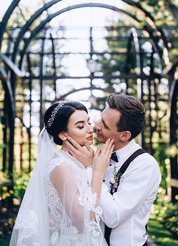 Brautpaar im Glashaus
